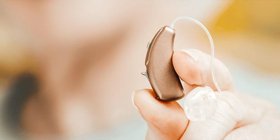 Hinter-dem-Ohr-Hörgeräte mit/ohne Akku 1